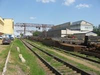Открытая площадка с мостовым краном в аренду Новорязанское шоссе, 4 км от МКАД. 800-1800 кв.м.