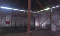 Аренда холодного склада Пушкино, Ярославское шоссе, 14 км от МКАД. 360 кв.м. Предлагаем снять в аренду холодный склад - ангар площадью 360 кв.м с открытой площадкой 320 кв.м  в городе Пушкино,  на Ярославском шоссе, 14 км от МКАД. Холодный склад расположен на огороженной охраняемой территории, въезд машин бесплатный, круглосуточный. Склад с ровными бетонными полами, высота потолка 7,5 м,  ворота для грузового транспорта, примыкает асфальтированная площадка.  Предлагаем снять холодный склад по 200 рублей за кв.м в месяц , включая НДС и охрану,  цена открытой площадки - 100 рублей за кв.м в месяц, включая НДС, с торгом.  Прямая аренда от собственника. Без комиссии.